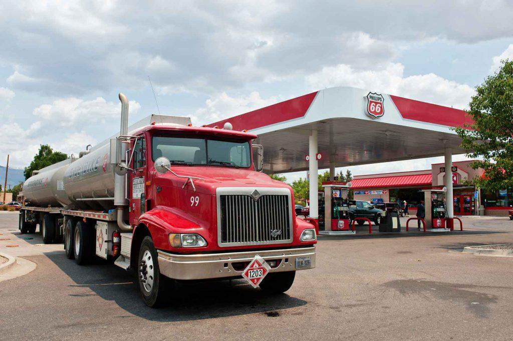 Phillips-66-Gasoline-and-Service-Station-with-Semi-Tanker-Truck-458608659_4256x2832-(1)<dataavatar hidden data-avatar-url=https://secure.gravatar.com/avatar/7a785b3b06a58511717183a13a93c1cb?s=96&d=mm&r=g></dataavatar>